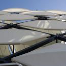 Пример динамических мембранных фасадных модулей в ячеистой структуре