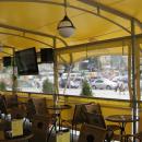 Бежевый цвет тентовой кровли. Мембранная конструкция летнего кафе Блеск на площадки Киевского вокзала в г.Москва.