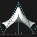 Мембранный шатер Агадаж имеет выраженные крыловидные края мембраны вдоль длинной оси конструкции