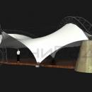 Общий вид мембранной конструкии Риноцерос со стороны фасада. На переднем плане виден фундаментный бык - стальная каркасная пирамида, обшитая деревом и подпирающая одну из главных несущих арок тентовой конструкции.