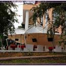 Мембранная конструкция укрытия летней площадки ресторана Си Вейв.